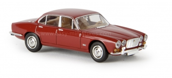 BREKINA 13651 - Jaguar XJ6, rouge bordeaux