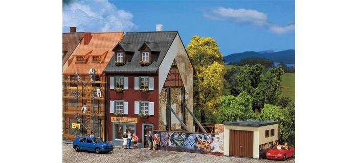 Faller 130416 Maison avec graffitis