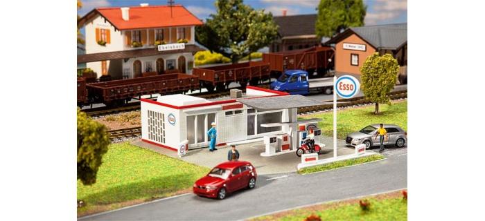 Train électrique :   FALLER F131258 - Station service