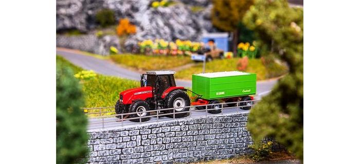 train électrique : FALLER F161305 - MF tracteur avec remorque à copeaux de bois (Wiking)