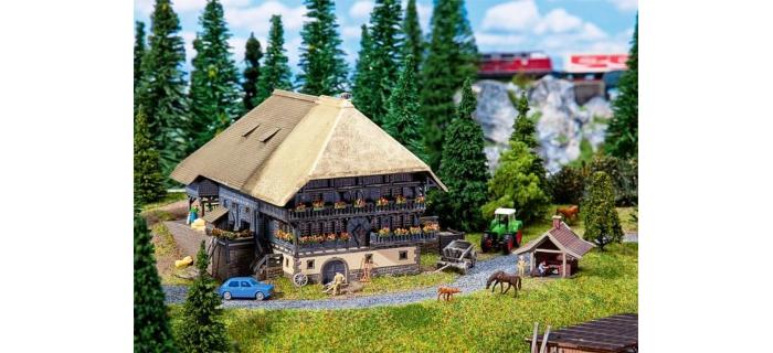 Modélisme ferroviaire : FALLER F232252 - Ferme de montagne
