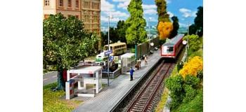 Modélisme ferroviaire : FALLER F120240 - Abri de quai + accessoires
