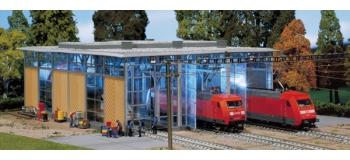 Modélisme ferroviaire : FALLER F120217 - Hangar à locomotives électriques, 3 voies