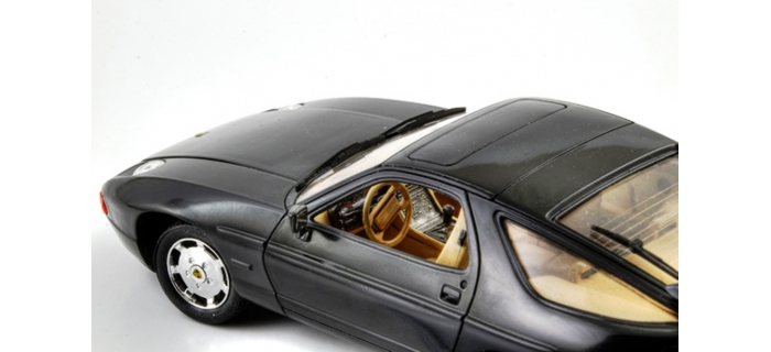 ITALERI I3656 - Porsche 928 S4