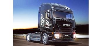 ITALERI I3869 - Camion tracteur IVECO Stralis
