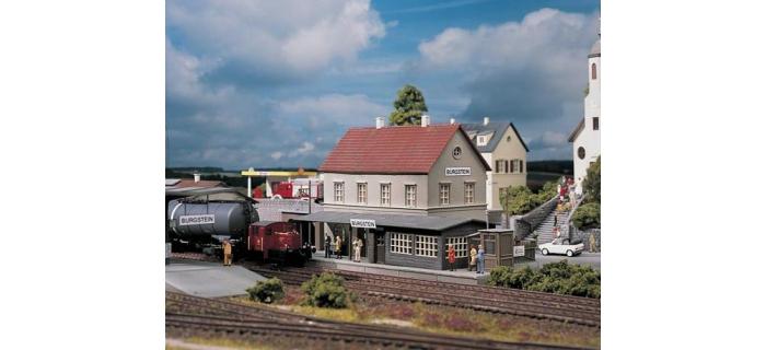 Modélisme ferroviaire : PIKO PI 61820 - Gare Burgstein