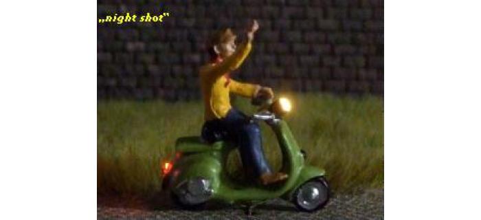 878113 - Scooter (avec éclairage fonctionnel) - Easy-Miniatures