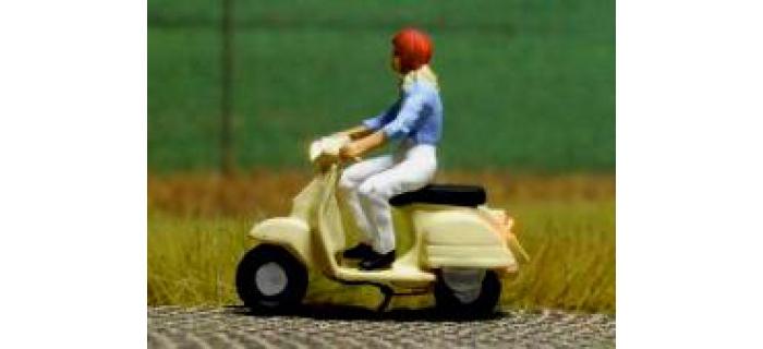 878101 - Scooter (avec éclairage fonctionnel) - Easy-Miniatures