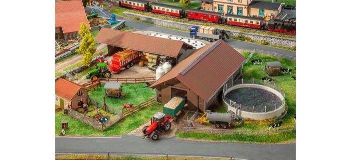 Modélisme ferroviaire :  FALLER F130574 - Exploitation agricole