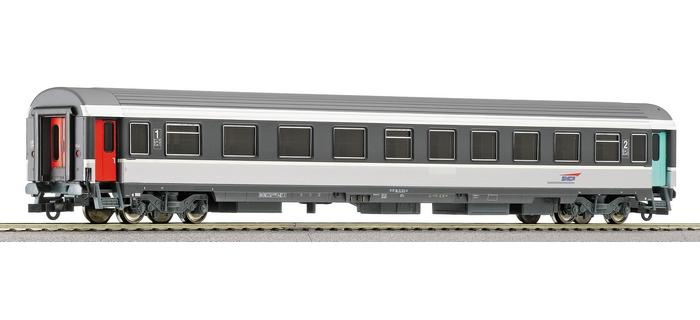 ROCO 45746 - Voiture voyageurs Corail 1ère / 2ème cl, SNCF