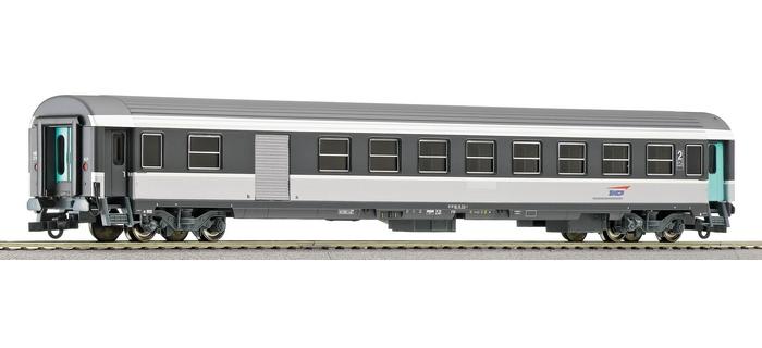 ROCO 45747 - Voiture voyageurs Corail 2e cl avec fourgon bagages, SNCF
