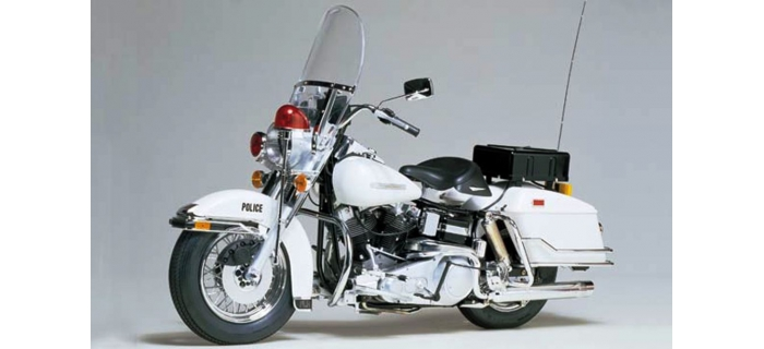 Maquettes : TAMIYA TAM16038 - Harley Davidson FLH 1200 Police
