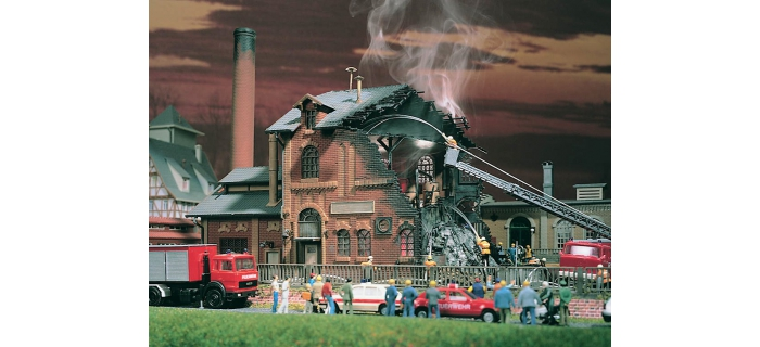 Modélisme ferroviaire : VOLLMER VOLL7738 - Usine en feu